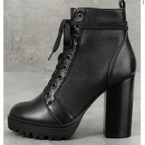 245d57998d1 STEVE MADDEN black leather lace up ankle BOOT 10